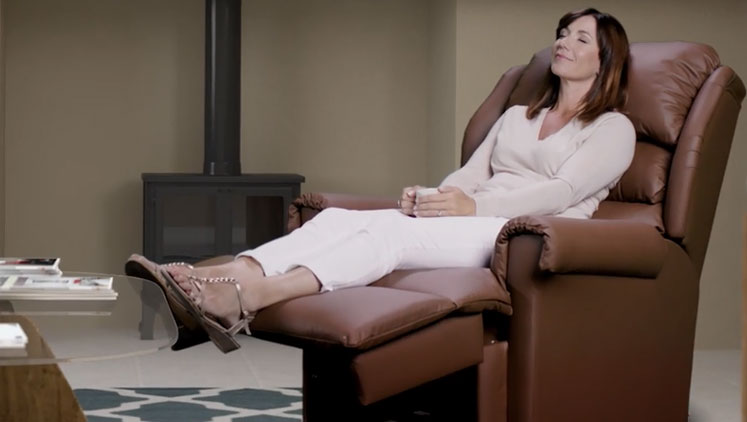 How a Rise & Recline Chair Can Help With Your Arthritis Pain