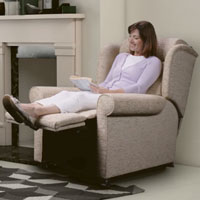 4 Ways Riser Recliner Chairs Can Help With Your Arthritis Pain